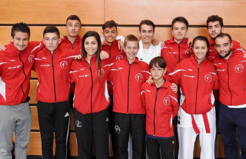 Groupe compétition Point de Soutien Swiss Olympic Karate Club Valais Sion Suisse Switzerland Ecole Olivier Knupfer 7e Dan