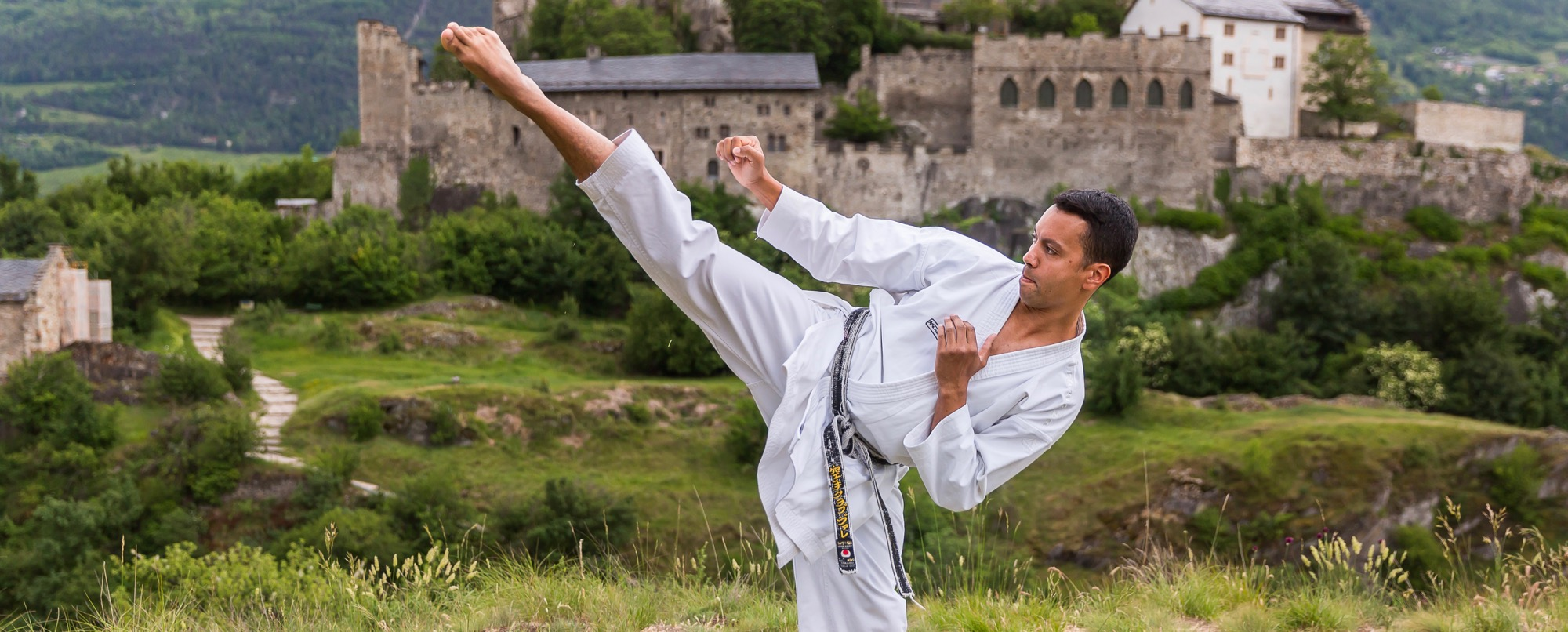 Hugues Michaud 5e Dan Karate Club Valais Sion Suisse Switzerland