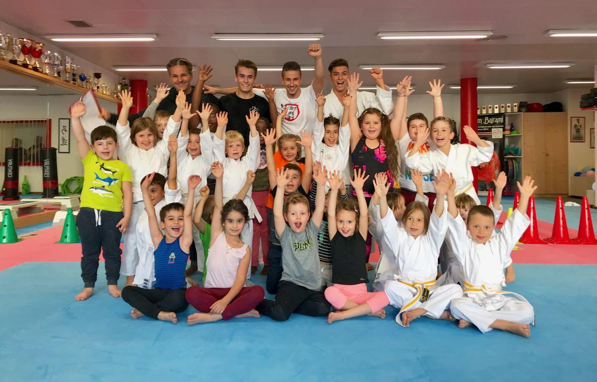 Cours karaté débutants et champions KujtimBajrami et Jean-Baptiste Dayer Karaté Club Valais Sion Suisse
