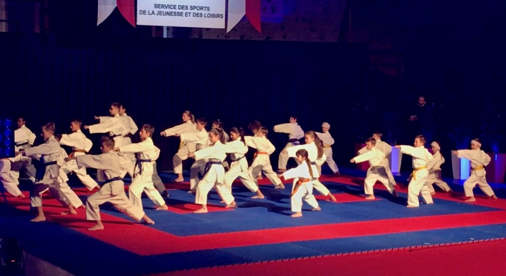 Kata team Enfants Olivier Knupfer 7e Dan Karate Club Valais Sion Suisse